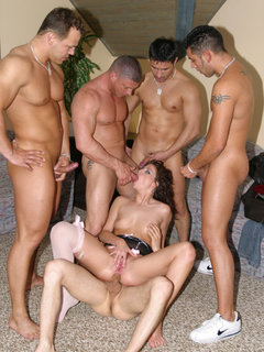 Nice big gangbang with Jessica Fiorentino and four guys