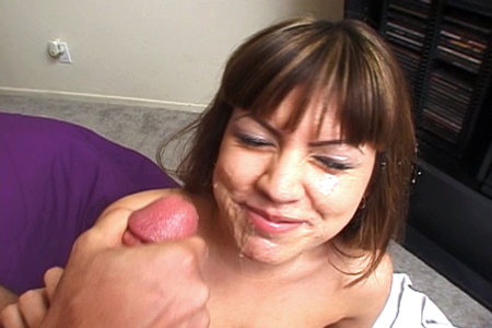 Blowjob expert pornstar Foxy Lady getting a nice facial
