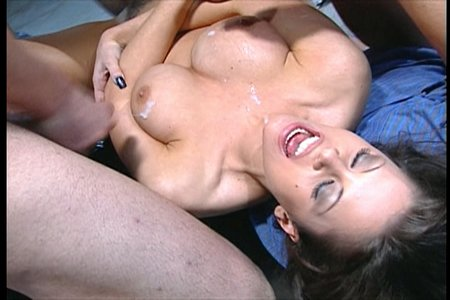 Brunette pornstar Jewel De'Nyle fucks in a 3some with 2 guys