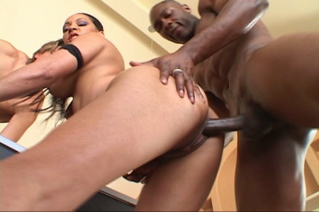 Fine pornstar slut Jasmine Cashmere fucking with two dudes