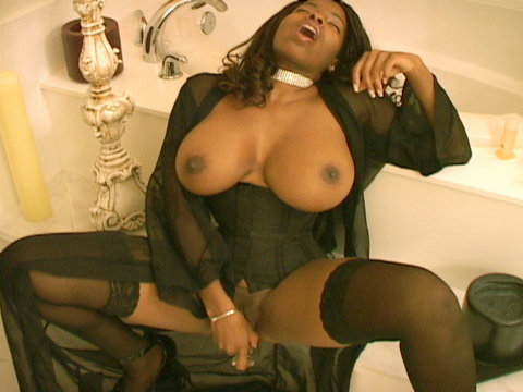 Curvy brown skinned beauty porn star