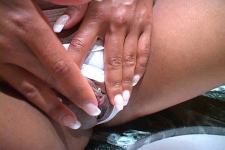 Beautiful ebony vixen plays with herself on clubVanessaBlue