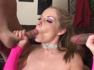 Groupsex : Jordan Scott got her mouth full of tasty meatsticks!