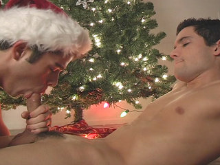 Gay Twinks Sex : Awesome blowjob action with Turk Melrose and Winter Vance!