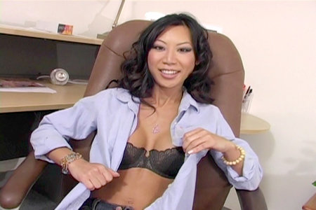 Tia Ling likes to please men on her knees