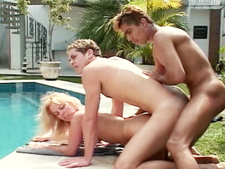 Bisexual Porn : Hot Brazilian threesome in wild bisex action!