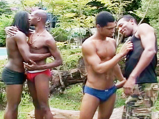 Gay Big Dick : Bunch of mans making blowjob on each others dicks!