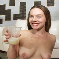 Amateur swallows spermcocktail