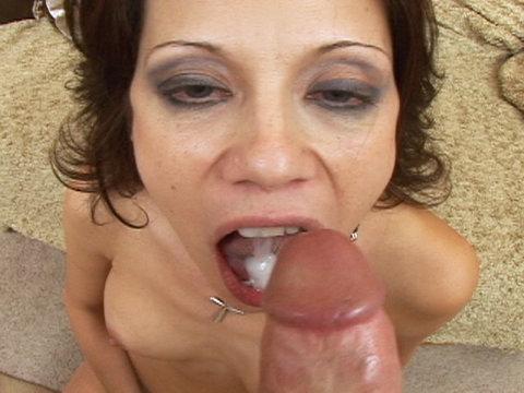 Amatuer milf oral lesbian