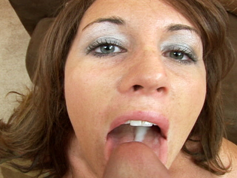 Amateur dark beauty swallows