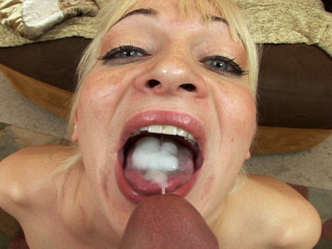 Sweet Barbie Porny darling swallows