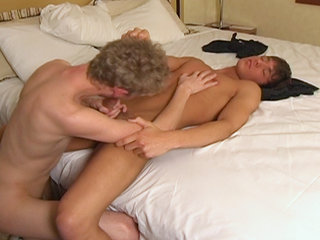Gay Twinks Sex : Two slutty lads fuck eachother and got their rocks off.!