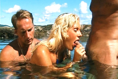 Suzan Nielsen nailed in ocean by two big cocks for the first time on film