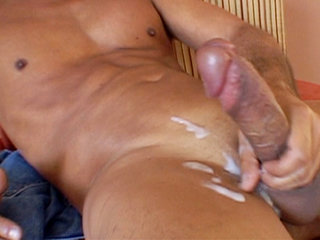 Gay Solo Masturbation : sweat huge dick fucker Chris Marks jerks off and blows big semen!