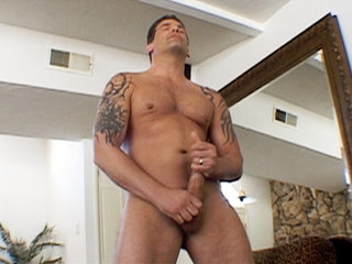 Gay Solo Masturbation : penus Delaware blows cumload all over his hands!