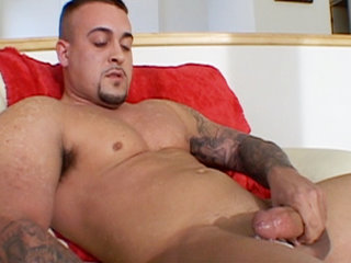 Gay Solo Masturbation : Muscular Jarrod Steed jerks his biggest penis before blowing nut all over himself!