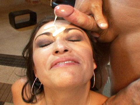 Claudia Valentine deepthroats