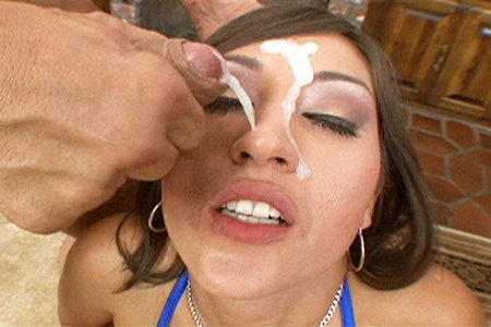 Hot Cumloads get blown on Alexis Breezes slutty face