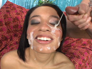 Facial Cumshot : Aliana like fucked and soaked in Bukkake gang bang!