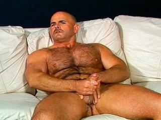 Gay Mature Men : Steve majors rubbing and oiling up his big stiff rod!