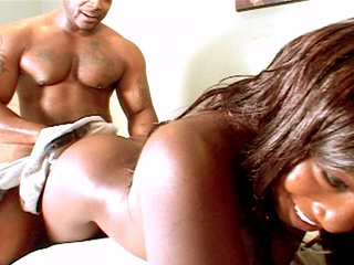 Big Booty Xena Gets Pounded Hard From Behind
