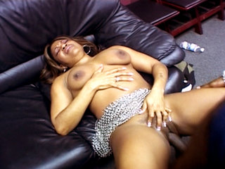 Interracial Porn : Janet Jacme nailed by Justin Slayer before getting her big booty creamed!
