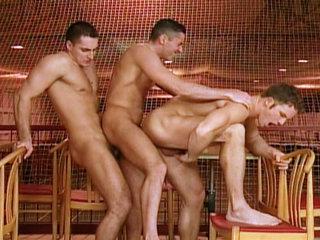 Gay Big Dick : 3-guy fuck chain action vids with John Flogue Carlos Tayler and Goerge Vidanov!