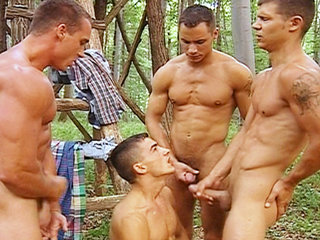 Gay Big Dick : guys fuck each other in forest before shooting their cum all over each other!