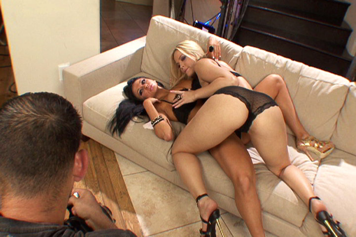Audrey Bitoni plays 1