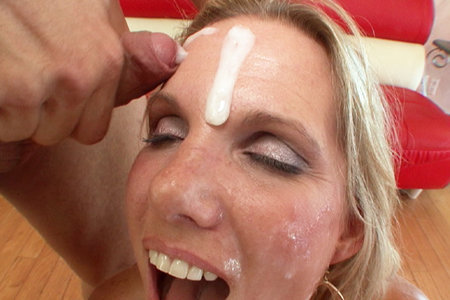 Busty blonde Niki Austin bukkake blow banged by a couple of big cocks
