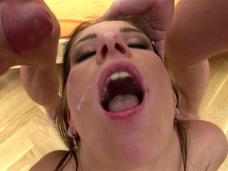 Facial Cumshot : Jessica Rox sucks cocks after five hot solo minutes!