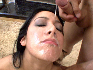 Facial Cumshot : Kimberly Gates giving blowjobs to cameramen and talent!