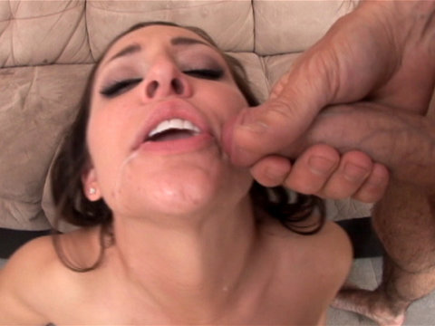 Gracie Glam is sexy in this threesome video