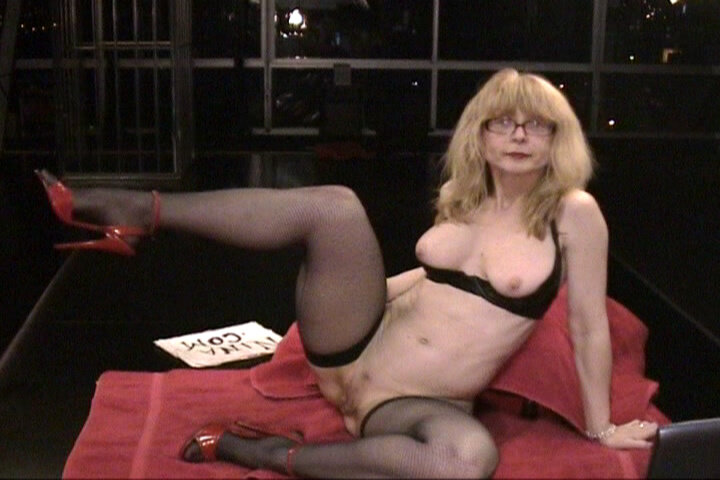 Nina Hartley Horny